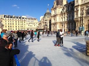 Public skating, Paris-style.