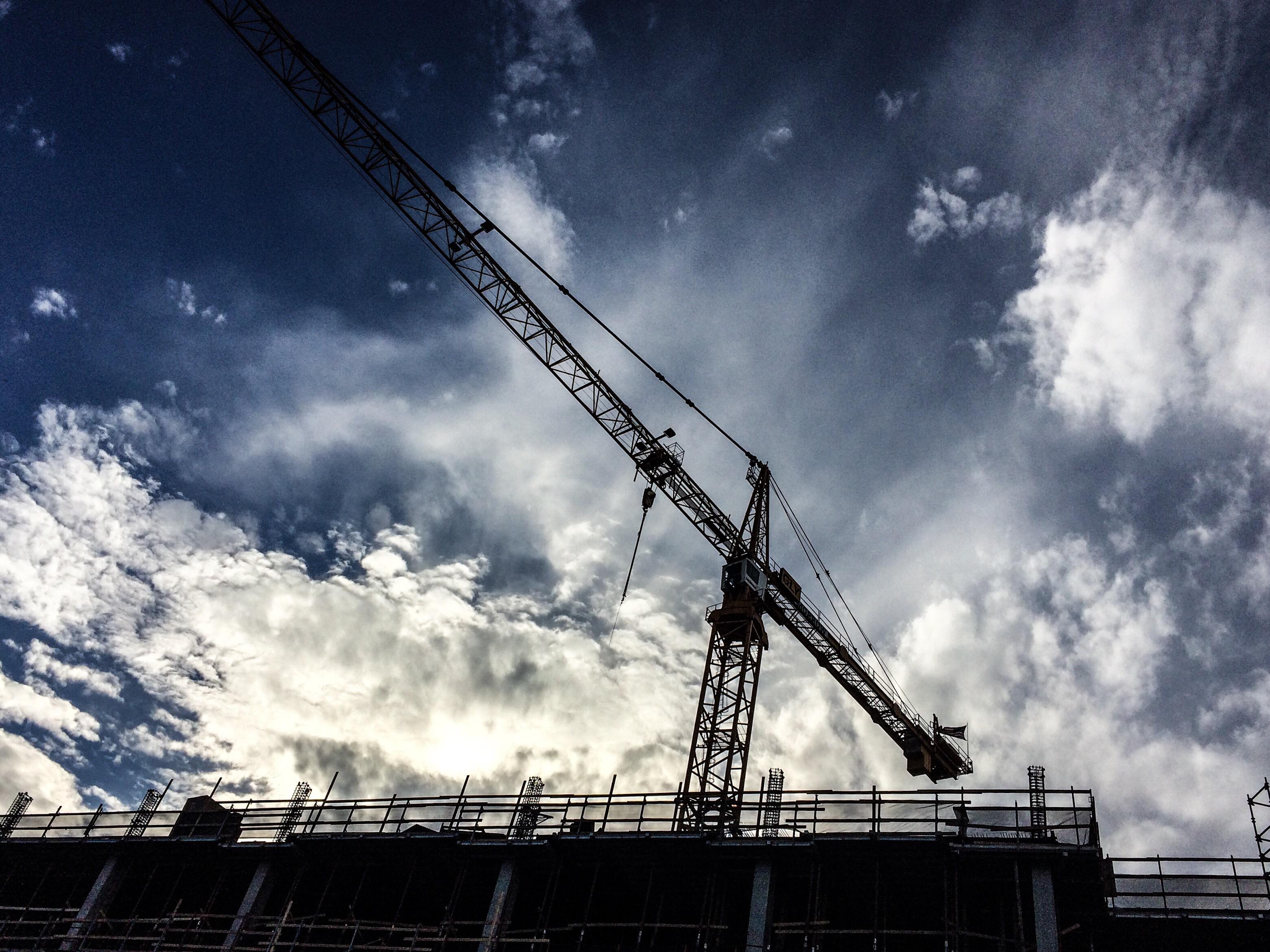 construction-crane_t20_GR0Qko